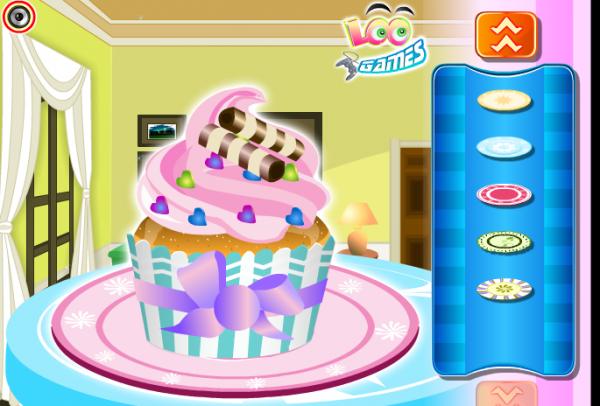 Liz_Cup_Cake